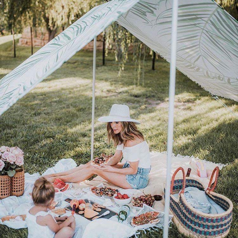palm print beach tent; Family Beach Tent ... & Bahamas Beach Tent | Lovin Summer | The Best Family Beach Tent